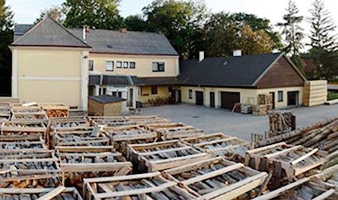 Lagerfläche für Brennholz von Holz Wahl